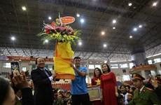 Hàng nghìn người dân Phú Thọ hân hoan chào đón Hà Đức Chinh