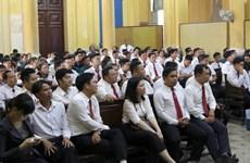 Tạm hoãn phiên xét xử vụ án dân sự giữa taxi Vinasun với Grab