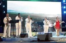 Ban nhạc Hải quân Hoa Kỳ biểu diễn phục vụ công chúng tại Đà Nẵng