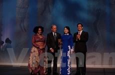 Bộ Y tế Việt Nam nhận giải thưởng quốc tế về kiểm soát thuốc lá