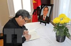 Lễ viếng nguyên Thủ tướng Phan Văn Khải tại Canada và Mexico
