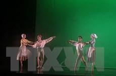 Tái diễn vũ kịch nổi tiếng ''Cô bé lọ lem'' ở Việt Nam