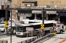 Mỹ: Va chạm xe buýt tại hầm New York, 32 người bị thương