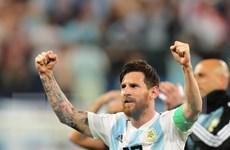 Lionel Messi đã chính thức ''nổ súng,'' tạo cột mốc thành tích mới