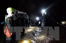 Giải cứu đội bóng: Tàu ngầm mini của tỷ phú Elon Musk đã sẵn sàng