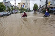Hà Nội: Một số tuyến phố ở khu vực nội thành đã hết ngập
