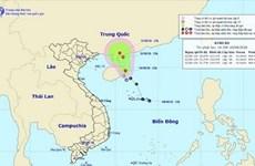 Áp thấp nhiệt đới trên biển gây rủi ro thiên tai, đất liền giảm mưa