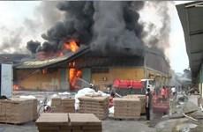 Đã khống chế vụ cháy nhà xưởng của 3 doanh nghiệp tại Hưng Yên
