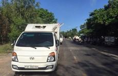 Bình Thuận: Xe đông lạnh va chạm xe quân sự, 4 quân nhân thương vong