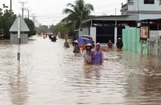 Ninh Thuận khẩn trương di dời dân vùng ngập lụt đến nơi an toàn