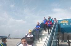 Hình ảnh các cầu thủ đội tuyển Việt Nam về đến sân bay Nội Bài