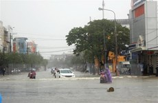 Mưa lớn liên tục hai ngày qua khiến phố cổ Hội An bị ngập nặng