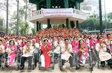 Tổ chức lễ cưới tập thể cho 50 đôi vợ chồng khuyết tật khó khăn