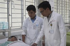 Bác sỹ phụ mổ hiến máu cứu bệnh nhân nguy kịch trên bàn mổ