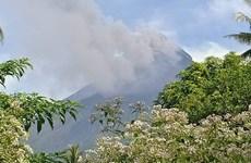 Núi lửa hoạt động mạnh nhất Philippines phun tro bụi