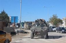 Thổ Nhĩ Kỳ tiếp tục điều vũ khí hạng nặng tới biên giới với Syria