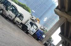 Hà Nội: Làm rõ phản ánh về bãi gửi xe lậu dưới gầm cầu Thăng Long