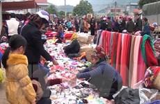 Độc đáo chợ phiên ngày Tết trên vùng cao Sơn La