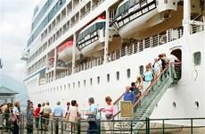 Huế đón những khách quốc tế đầu tiên bằng đường biển trong năm 2019