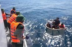 Các ngư dân gặp nạn trên biển đã được đưa vào bờ an toàn