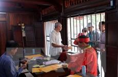 Nam Định: Không còn tình trạng ''tiền trao, ấn phát'' tại đền Trần