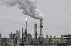 Giá dầu thế giới ghi dấu mức giảm lớn nhất từ đầu năm đến nay
