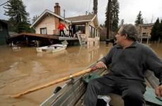 Mỹ: Nước sông ở California dâng cao, nhiều nơi bị cô lập hoàn toàn