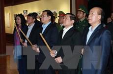 PTT Vương Đình Huệ dâng hương tại Khu di tích Chiến thắng biên giới