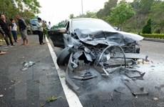 Hai ôtô đối đầu trên cao tốc đi Đà Lạt khiến 4 người thương vong