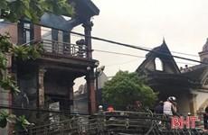 Hà Tĩnh: Cháy cửa hàng tạp hóa, lan nhanh sang hai ngôi nhà bên cạnh