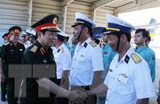 Đại tướng Ngô Xuân Lịch thăm các đơn vị tại Căn cứ Quân sự Cam Ranh