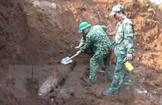 Phát hiện quả bom nặng 240kg nằm ngay trong khu vực trường học