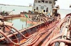 Bộ đội Biên phòng TP.HCM bắt giữ 4 sà lan khai thác cát trái phép