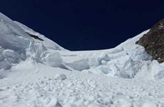 Lở tuyết ở Tây Bắc Trung Quốc, nhiều người bị mắc kẹt