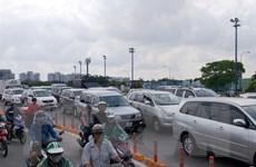 Va chạm liên hoàn trước cửa hầm vượt sông Sài Gòn gây ùn tắc kéo dài