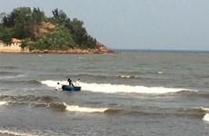 Nghệ An: Rủ nhau đi tắm biển, một học sinh đang mất tích