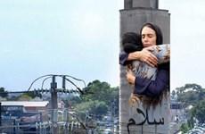 Hình Thủ tướng New Zealand an ủi nạn nhân sẽ được vẽ khổ lớn