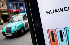 Anh khẳng định sẽ đánh giá kỹ càng nếu sử dụng thiết bị của Huawei