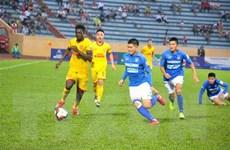 Hạ Quảng Ninh ở phút bù giờ, CLB TP.HCM củng cố ngôi đầu bảng