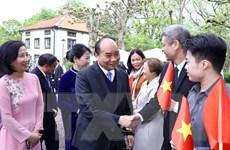 Thủ tướng thăm Đại sứ quán và cộng đồng người Việt tại Thụy Điển