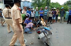 Bạc Liêu: Hai xe máy đâm trực diện, 3 người thương vong