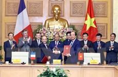 Lễ ký kết văn bản ghi nhớ hợp tác về xây dựng Chính phủ điện tử