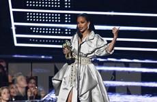 Rihanna trở thành nữ ca sỹ giàu có nhất hành tinh