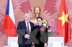 Không ngừng vun đắp quan hệ Việt-Séc qua nhiều thế hệ