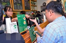 Thanh toán không tiền mặt: Dịch vụ còn thiếu, yếu và nhiều bất cập