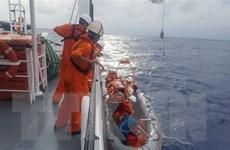 Cứu hộ khẩn cấp ngư dân gặp nạn trên tàu cá QNa 90439 TS