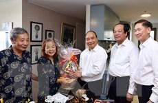 Thủ tướng thăm, chúc mừng các nhà báo lão thành tại TP.HCM