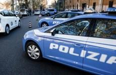 Italy bắt 18 người với cáo buộc 'tẩy não' và buôn bán trẻ em