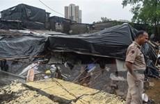 Ấn Độ: Số người thiệt mạng vì sập tường do mưa lớn tiếp tục tăng