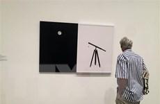 Độc đáo triển lãm các tác phẩm về Mặt Trăng suốt hơn 400 năm qua